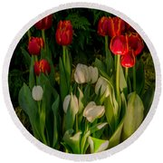 Tulips In Bloom Round Beach Towel
