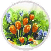 Tulips With Blue Grape Hyacinths Explosion Round Beach Towel