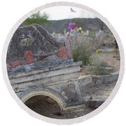 Tumbling Tombstone Round Beach Towel