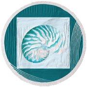 Turquoise Seashells Xxi Round Beach Towel