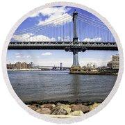 Two Bridges View - Manhattan Round Beach Towel