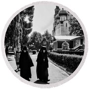 Two Nuns- Black And White - Novodevichy Convent - Russia Round Beach Towel