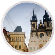 Tyn Church In Prague Round Beach Towel