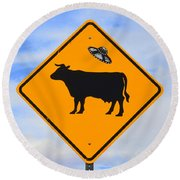 Ufo Cattle Crossing Sign In New Mexico Round Beach Towel