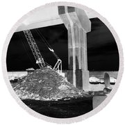 Under Pass Bw Iv Round Beach Towel