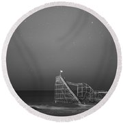Under The Stars Bw Round Beach Towel