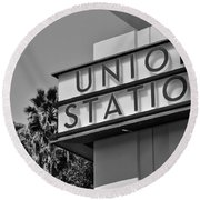 Union Station Sign Black And White Round Beach Towel