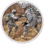 U.s. Army Soldiers Helps A Fellow Round Beach Towel