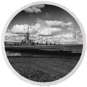 Uss Bowfin-black And White Round Beach Towel