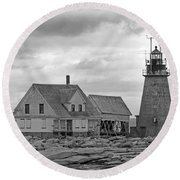 Vacant On The Ocean Round Beach Towel