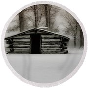 Valley Forge Cabin In Winter Round Beach Towel