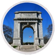 Valley Forge Park Memorial Arch Round Beach Towel