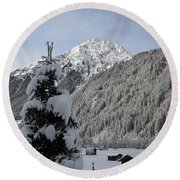Valley In The Snow Round Beach Towel