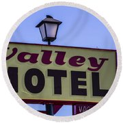 Valley Motel Round Beach Towel