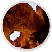 Valley Of Fire Arch Round Beach Towel