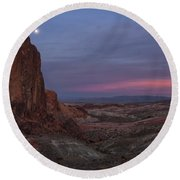 Valley Of Fire Moonrise Round Beach Towel