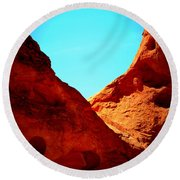 Valley Of Fire Nevada Desert Sand People Round Beach Towel