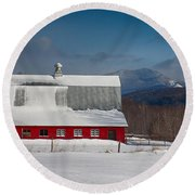 Vermont Barn In Snow With Mountain Behind Round Beach Towel