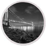 Verrazano-narrows Bridge Bw Round Beach Towel