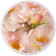 Victorian Pink Roses Bouquet Round Beach Towel