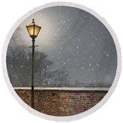 Victorian Street Lamp In Snow Round Beach Towel