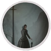 Victorian Woman Under Streetlamp In Fog Round Beach Towel