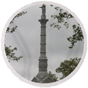 View Of Monument At Yorktown Round Beach Towel by Teresa Mucha