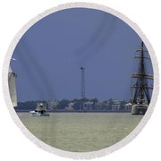 Windward View Of The Battery Round Beach Towel