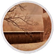 Vintage Barn And Windmill Winter Round Beach Towel