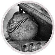 Vintage Baseball And Glove Round Beach Towel