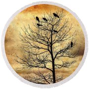 Vintage Blackbirds On A Winter Tree Round Beach Towel