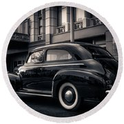 Vintage Chevrolet In 1934 New York City Round Beach Towel