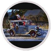 Vintage Christmas Car Round Beach Towel