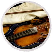 Vintage Fiddle In The Case Round Beach Towel