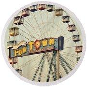 Vintage Funtown Ferris Wheel Round Beach Towel