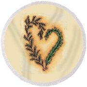 Vintage Heart Wreath Round Beach Towel