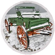 Vintage Wagon In The Snow E98 Round Beach Towel