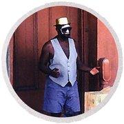 Voodoo Busker In New Orleans Round Beach Towel