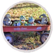 Wagon Full Of Frogs Round Beach Towel