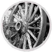 Wagon Wheel - No Where To Go - Bw 01 Round Beach Towel