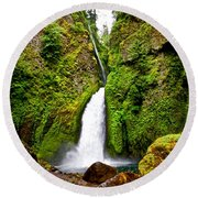 Wahclella Falls In Oregon Round Beach Towel