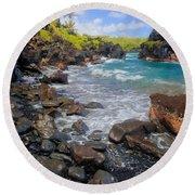Waianapanapa Rocks Round Beach Towel