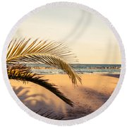 Waiting Summer Round Beach Towel