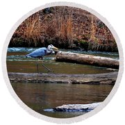 Walking Heron Round Beach Towel