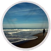 Walking On Seaside Beach Round Beach Towel