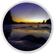 Washington Coast Tides Retreat Round Beach Towel