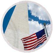 Washington Monument And Flag Round Beach Towel