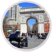 Washington Square Pianist Round Beach Towel