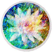Water Lily With Iridescent Water Drops Round Beach Towel
