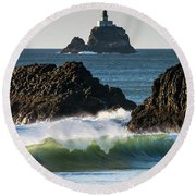 Waves Breaking At Ecola State Park Round Beach Towel
